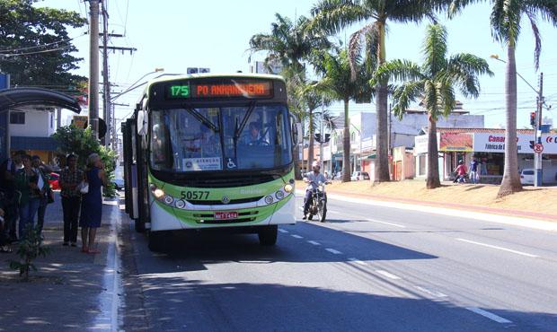 Para incentivar carona, vereador propõe liberar carros nos corredores de ônibus