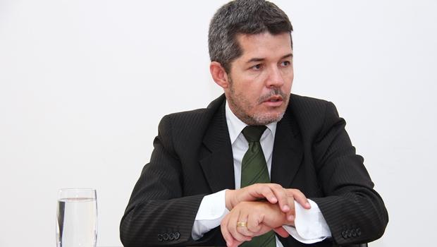 Delegado Waldir formaliza desistência das prévias nesta quinta-feira