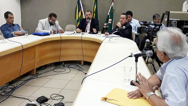 """Ex-chefe da Casa Civil afirma que """"nenhum prefeito lê decreto com 80 páginas"""""""