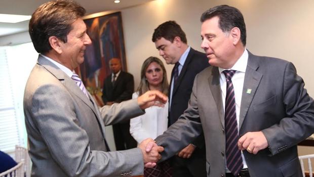 Prefeito e governador durante solenidade da Aciag | Foto: Henrique Luiz