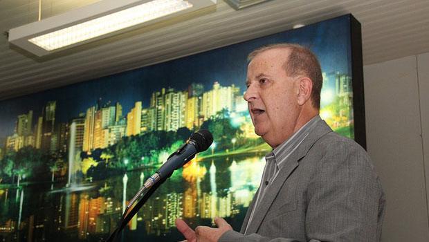 Folha de S. Paulo destaca ação de Paulo Garcia para enfrentar crise na arrecadação