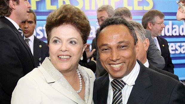 Presidente Dilma Rousseff e o líder do PT na Câmara, Sibá Machado (AC) | Foto: Rerpodução/Facebook