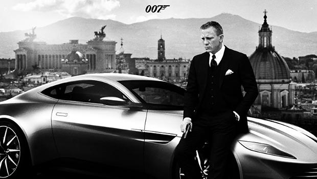 007 tem a melhor estética visual da série. Porém, não emociona