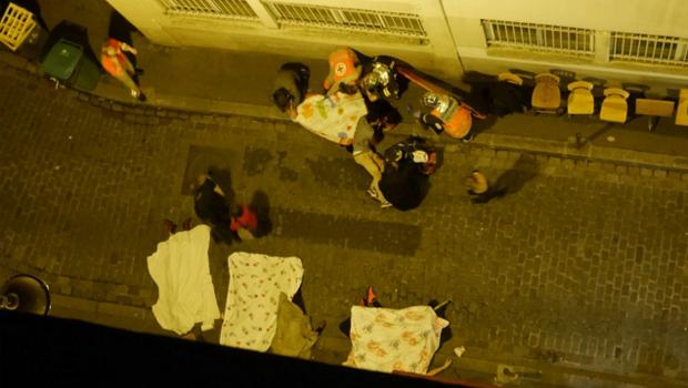 Tiroteio mata vários e presidente é tirado às pressas de estádio em Paris
