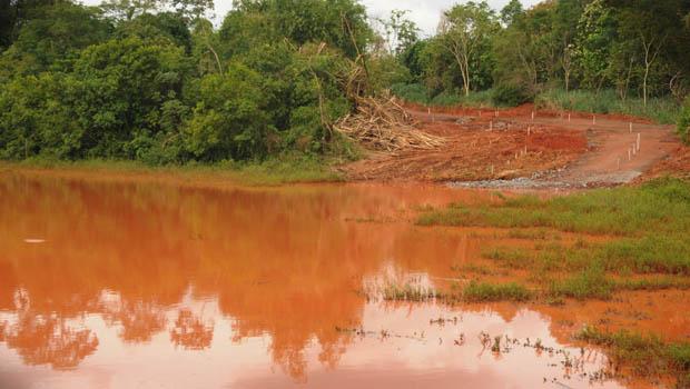 Obras do Aeroporto de Goiânia colocam em risco Córrego Jaó, denuncia Amma