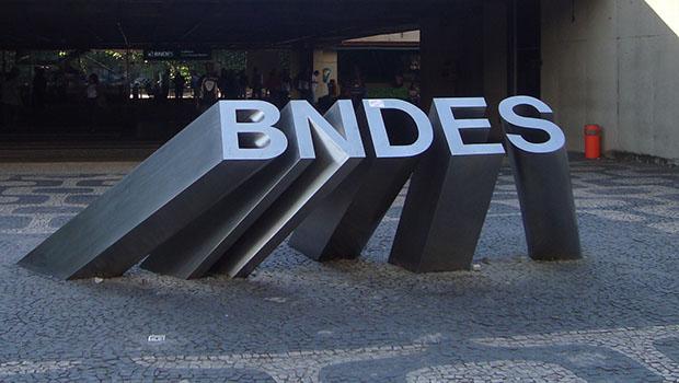 Cadê Luciano Coutinho, do BNDES?