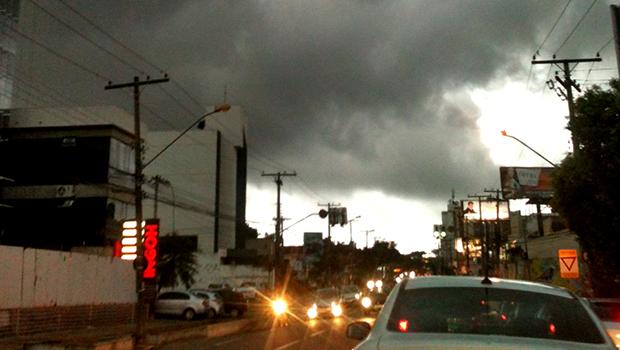 Tempo muda e previsão é de muita chuva para o final de semana em Goiânia