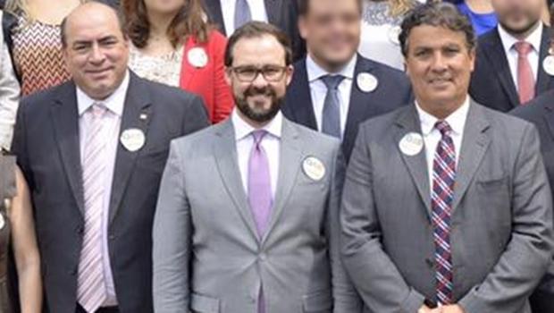 Leon Deniz e Thales Jayme ladeiam Lúcio Flávio: os dois foram impugnados | Foto: Facebook