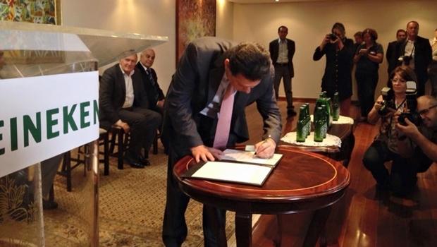 Governador assina protocolo de intenções | Foto: Ascom / Governo de Goiás