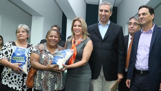 Valéria Perillo e José Eliton durante evento | Foto: Jota Eurípedes
