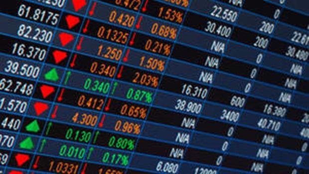 Com dólar acima de R$ 4, Bovespa opera em queda sob efeito do cenário internacional