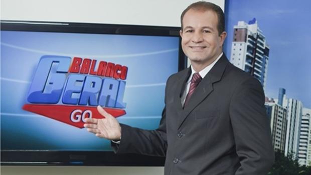 Oloares Ferreira, apresentador da TV Record, processa Miller Assis, prefeito de Goianira. Veja vídeo