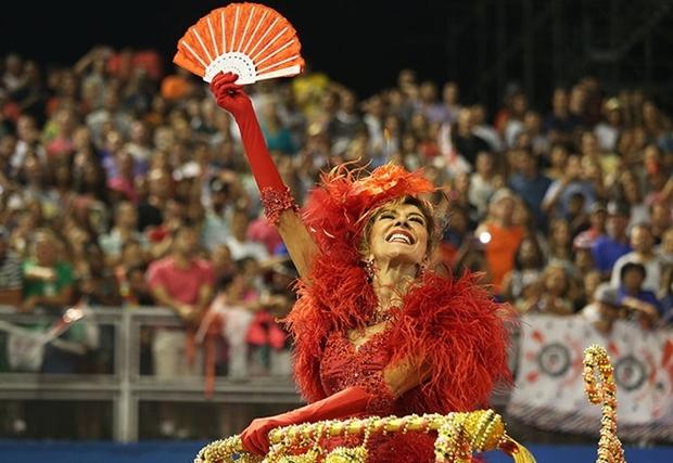 A atriz durante desfile da Mocidade Alegre, de São Paulo | Foto: Liga SP