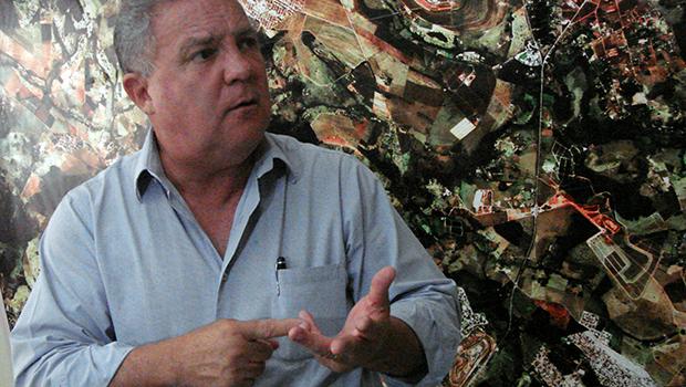 Pistoleiros tentaram matar o prefeito de Senador Canedo