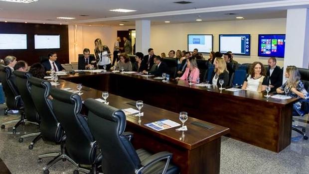 Reunião com integrantes da Saúde | Foto: divulgação