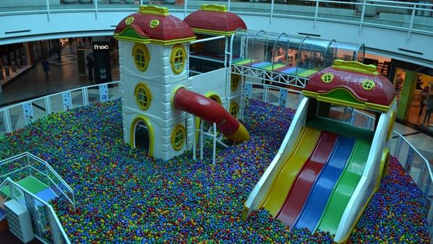 """Shopping anuncia piscina de bolinhas gigante, """"a maior que Goiânia já viu"""""""
