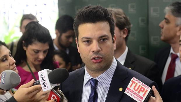 Picciani confirma candidatura à liderança do PMDB em 17 de fevereiro