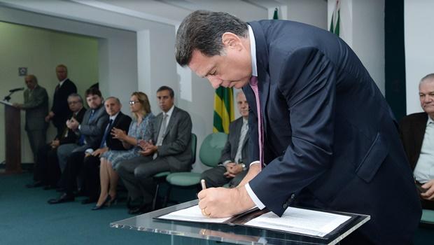 Governador Marconi Perillo, assinatura de Convênio entre o Governo do Estado através da Secretaria Cidadã e o SEBRAE-GO. Foto: Wagnas Cabral Data: 22.01.2016