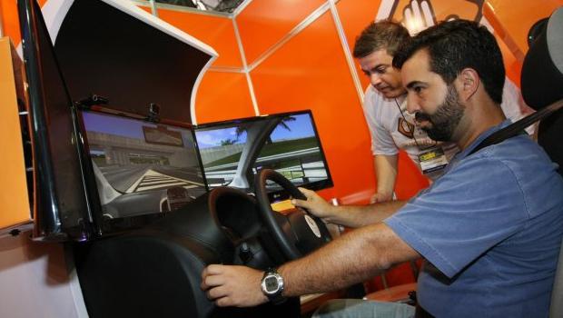 Simulador de aulas de direção passa a ser obrigatório em 2016