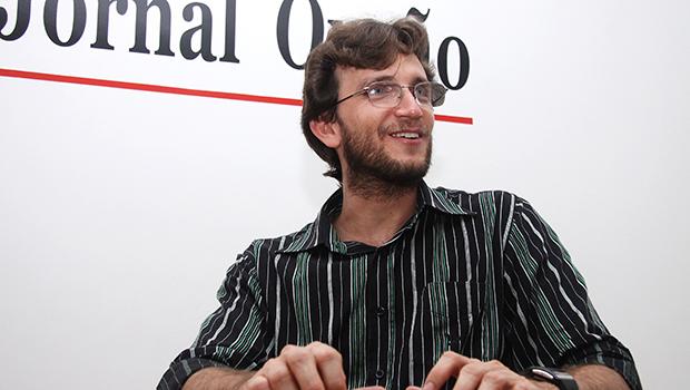 Ademir Luiz, escritor, doutor em História pela Universidade Federal de Goiás (UFG) e professor da Universidade Estadual de Goiás (UEG)   Foto: Fernando Leite / Jornal Opção