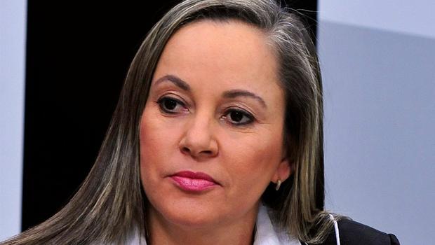 """Josi comemora """"moralização"""" de filiações ao PMDB"""
