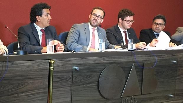 Presidente Lúcio Flávio concede entrevista coletiva na tarde desta terça-feira (26/1) | Foto: Alexandre Parrode / Jornal Opção