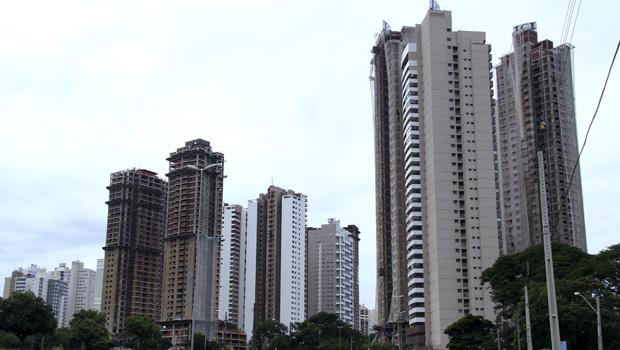 Alta inadimplência leva condomínios a terceirizar cobrança em Goiânia