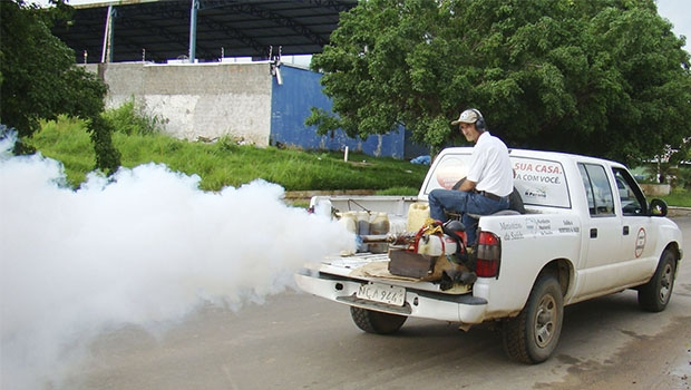 Fumacê é estratégia limitada no combate ao mosquito, pois não elimina larvas   Foto: Divulgação