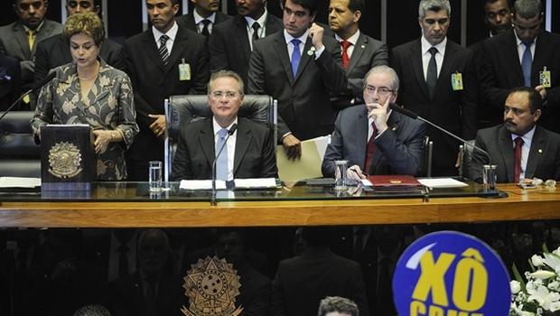 Presidente Dilma Rousseff no Senado, com Renan Calheiros e Cunha | Jefferson Rudy/Agência Senado