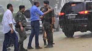 Secretário de Segurança Pública visitou pontos de bloqueio policial em Goiânia na tarde deste sábado   Foto: Vice-Governadoria