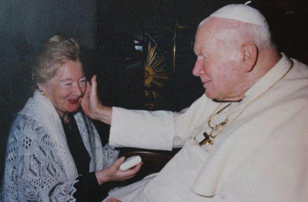 Papa João Paulo Segundo e Anna Teresa Tymieniecka _88268636_img_1402