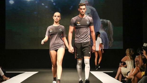 Atlético Mineiro promove desfile que objetifica mulheres e causa polêmica