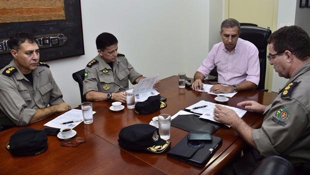 José Eliton tem reunião com coronéis da PM para avaliar os primeiros dias da Operação Tolerância Zero