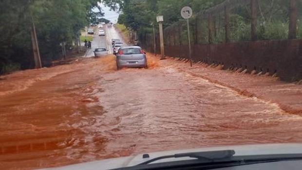 Foto postada mais cedo pelo repórter Elder Dias, do Jornal Opção