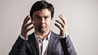 """Thomas Piketty e seu livro """"O Capital no Século XXI"""" (abaixo): o  economista e pesquisador não pôde incluir o Brasil no seu best seller  mundial porque não o governo brasileiro não fornece dados fiscais"""