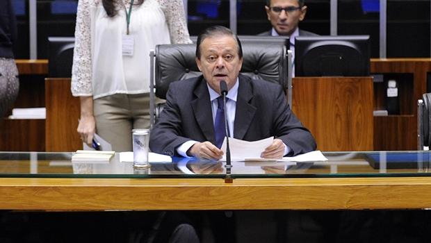 Em Brasília, Jovair Arantes agrada a palacianos e oposicionistas