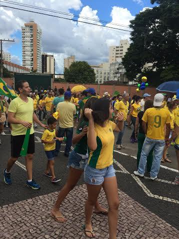 Protesto jovens contra Dilma