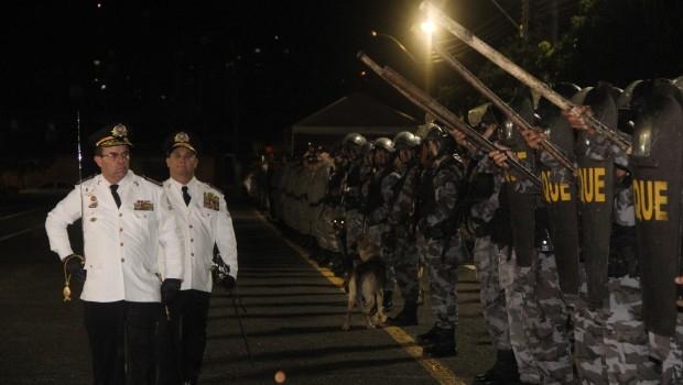 Coronel Divino Alves e coronel Sílvio Benedito participam da solenidade de troca de comando geral da PM   Foto: Humberto Silva