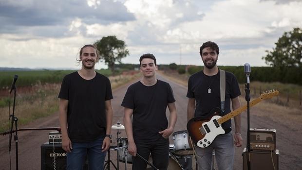 Banda Versário lança nesta quinta-feira (17/3) o videoclipe da canção Vértices, gravado em dezembro de 2015 | Foto: Divulgação