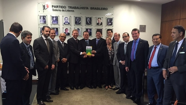 Deputados goianos reunidos no gabinete da liderança do PTB | Foto: reprodução / Jovair Arantes