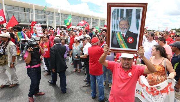 Governo de Goiás afirma que irá garantir segurança de manifestantes em ato pró-Dilma