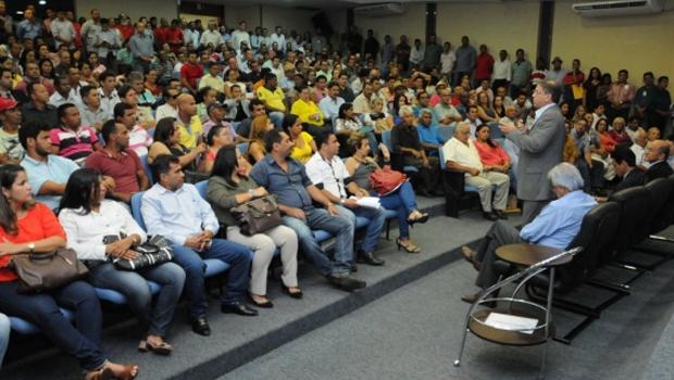 Governador Marcelo Miranda fala a prefeitos, vereadores e outros líderes municipais