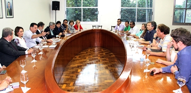 Marconi se reúne com representantes do setor cultural   Foto: Humberto Silva