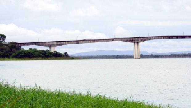 Antiga ponte sobre o Rio Tocantins em Porto Nacional
