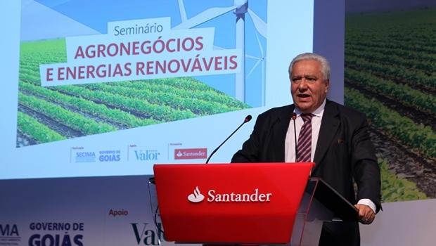 Secretário Vilmar Rocha discursa durante o evento
