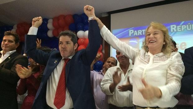 PR recebe filiação de delegado Waldir com grande festa em Goiânia