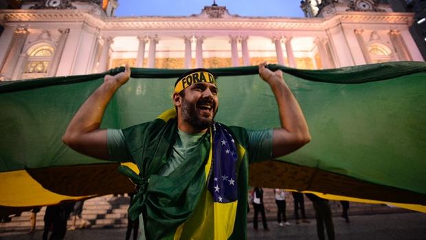 Estrangeiro que participar de ato político pode ser expulso do país, diz entidade