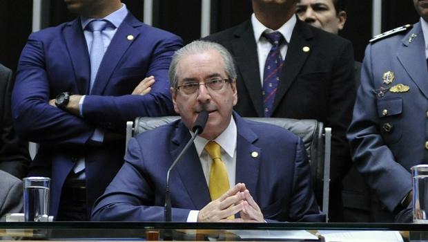 Mesmo com atrasos, Cunha confirma início da votação para 14 horas de domingo