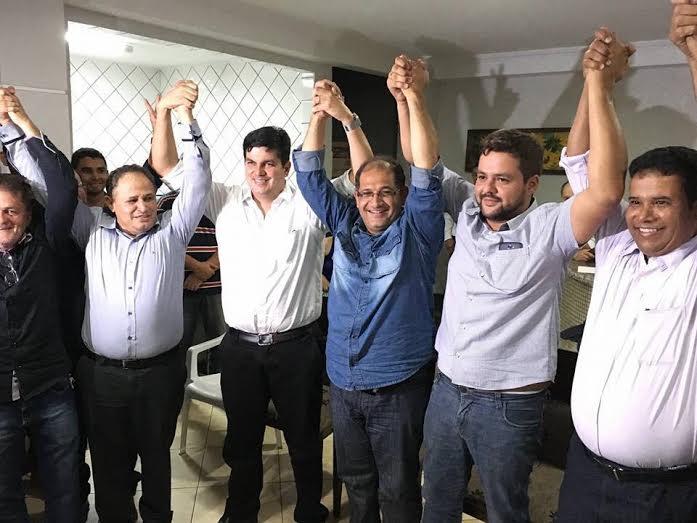 Pastor Elismar Veiga será o vice do tucano Carlos Antônio na disputa pela Prefeitura de Anápolis