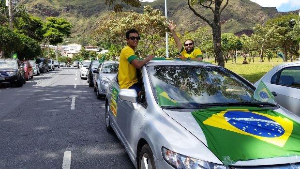 Carreata pró-impeachment aconteceu em ruas e avenidas de Belo Horizonte (MG) no sábado (16/4) | Foto: Léo Rodrigues/Agência Brasil